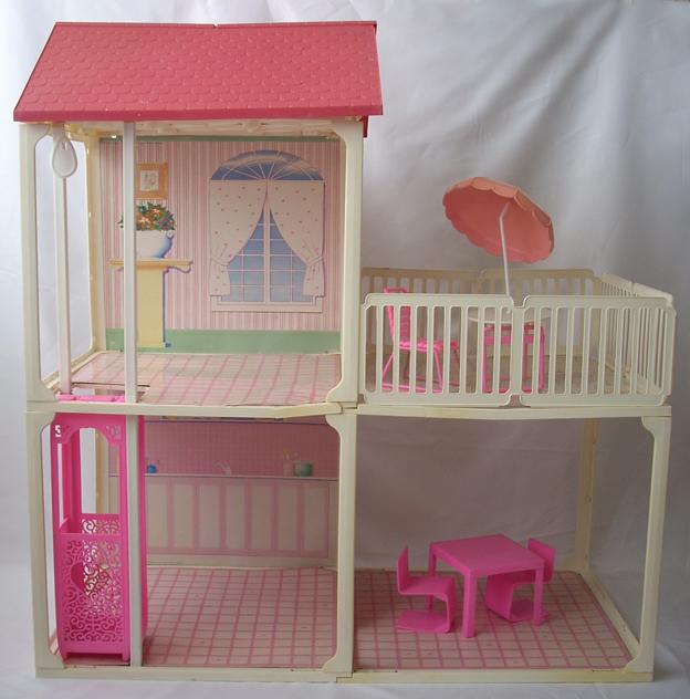Casa con terrazza 1987 my barbie site for Piani casa su due piani degli anni 60